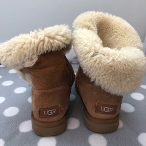 Women's Mid-Shin Chestnut Uggs with Cork Button